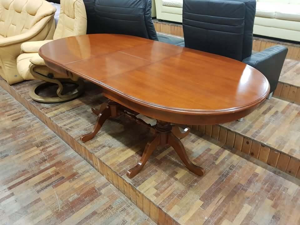 Natūralaus medžio stalas