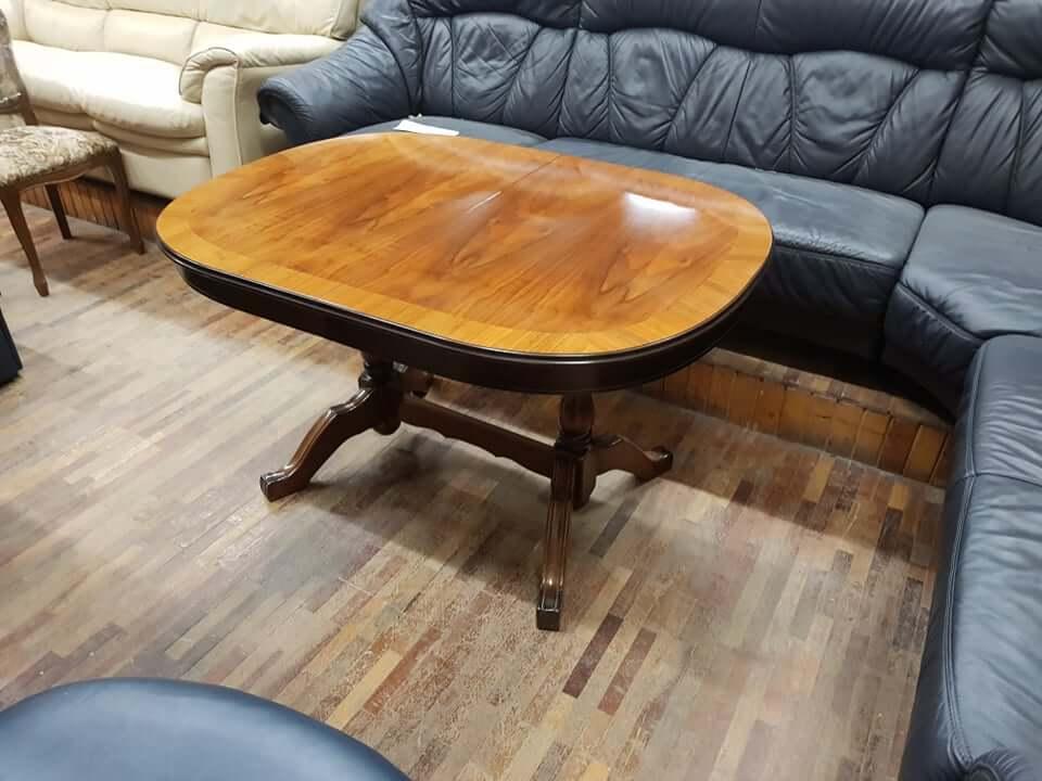 Natūralaus medžio stalas su 4 kėdėmis